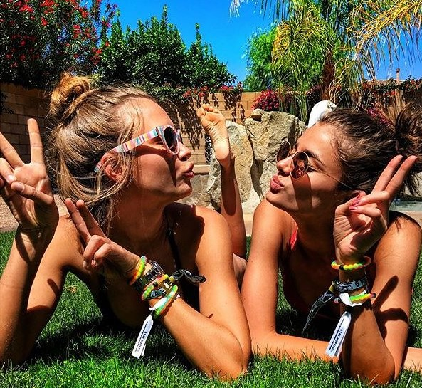 1-coachella-beauty-josephineskriver